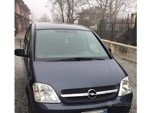 in vendita Mercedes e 220